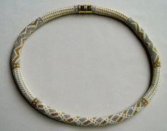 Perlen häkeln Halskette Muster Silberdraht von WearableArtEmporium, $10.00