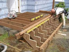 Shed Plans - Building Deck Stairs is a step by step process of how to build deck stairs along with large pictures to help you understand the process better. - Now You Can Build ANY Shed In A Weekend Even If You've Zero Woodworking Experience! Deck Building Plans, Deck Plans, Shed Plans, Backyard Projects, Outdoor Projects, House Projects, Terrasse Design, Laying Decking, Deck Steps