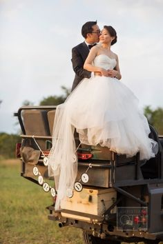[Photo Ideas] Adventurous South African Safari Wedding in Kruger National Park Wedding Poses, Wedding Couples, Wedding Dresses, Wedding Ideas, Wedding Decor, Wedding Photography Inspiration, Wedding Inspiration, Leopard Print Wedding, Safari Wedding
