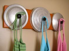 ORANGE Retro Rack - upcycled reclaimed pegged rack to display aprons, hats, jewelry, scarves more crafty-delights Baseball Hat Racks, Arts And Crafts, Diy Crafts, Upcycled Crafts, Pot Lids, Reuse Recycle, Diy Organization, Vintage Items, Diy Projects