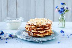 Quarkwaffeln Rezept | LECKER Waffles, Nom Nom, Cereal, Muffin, Food Porn, Food And Drink, Eat, Cooking, Breakfast