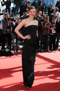 Celine Sallette in Dior ( have to say it : I thought it was like the black version of the black and white dress Jennifer Lawrence wore! Red Carpet Ready, Red Carpet Looks, Beautiful Dresses, Nice Dresses, Formal Dresses, Festival Fashion, Film Festival, Celine Sallette, Next Ladies Fashion