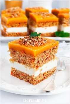 Carrot cake with mascarpone- Ciasto marchewkowe z mascarpone Carrot cake - Easy Cake Recipes, Sweet Recipes, Cookie Recipes, Dessert Recipes, Pumpkin Sheet Cake, Delicious Desserts, Yummy Food, Small Desserts, Food Cakes