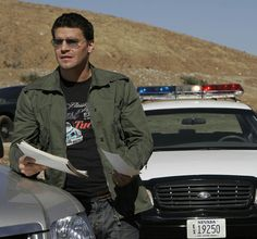 Bones Season 2 - The Woman in the Sand | David Boreanaz as Special Agent Seeley Booth  ©2006 Fox Broadcasting Co. Cr: Greg Gayne/FOX