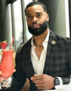 how to beard Fine Black Men, Gorgeous Black Men, Handsome Black Men, Black Guys, Handsome Man, Black Men Haircuts, Black Men Hairstyles, Beard Styles For Men, Hair And Beard Styles