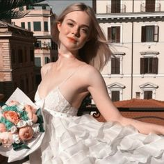 Ellie Fanning, Dakota And Elle Fanning, Classy Aesthetic, Aesthetic Girl, Prom Dress Couture, Ulzzang Girl, Looking For Women, Pretty People, Photoshoot