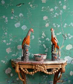 爱 Chinoiserie? Mais Qui! 爱 home decor in Chinese Chippendale style - entry table