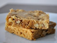 Yummy Cooking: Bourbon Blondies with Walnuts