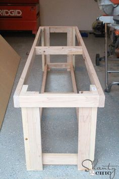 DIY Workbench - Free Plans #WoodworkingPlans #woodworkingbench