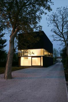 It will Great add Tree Uplights and Leading Wall / Uplights |  House Heran | Caan Architecten