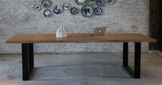 Massief eiken houten balken tafel met stalen poten, hier 3,30x1m.