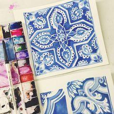 #tilestyle ✨loving delft patterns  #workingonit #spring2107 #medallion #watercolor #drphmartins #textiledesign #printfresh #delft #delftpattern #blue