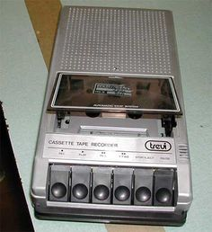 mangianastri, cassette recorder and player
