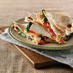 Super easy and very filling. I would suggest only using one tortilla per quesadilla and folding it in half. It's easier to eat them that way. Mexican Food Recipes, New Recipes, Dinner Recipes, Favorite Recipes, Ethnic Recipes, Recipies, Healthy Snacks, Healthy Eating, Healthy Recipes