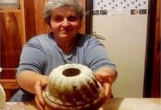 Dédi kuglófja - 100 éves recept   NOSALTY Hungarian Desserts, Hungarian Cake, Hungarian Recipes, Cake Cookies, Cupcake Cakes, Cupcakes, Ring Cake, Savarin, Culinary Arts