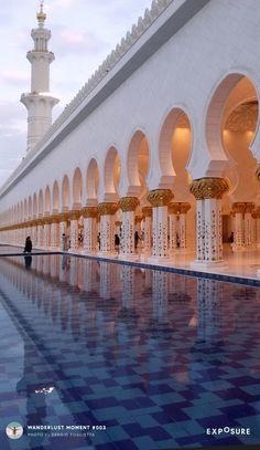 Wanderlust Moment Sheikh Zayed Grand Mosque in Abu Dhabi, photographed by Sergio Foglietta Ancient Greek Architecture, Gothic Architecture, Grand Mosque, Mayan Ruins, Rajasthan India, Angkor Wat, Moorish, Vietnam Travel, London City