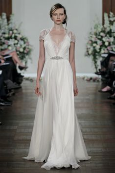 Jenny Packham, Dentelle - FWIW, this dress looks less appealing on her website.