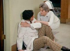 """Scene from """"Hang-Up."""" #emergencytvshow #doctorbrackett #dixiemccall"""