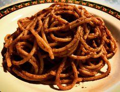 Spaghetti integrali con salsa di olive taggiasche