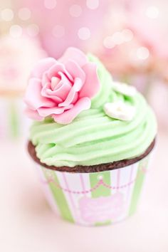 pretty cupcakes mint green frosting with sugar rose