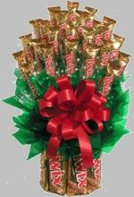 Twix Candy Bouquet Large Size-Large Twix Candy Bouquet for Students A candy bar bouquet is ideal way to show your college or boarding school student that you are thinking of them. Order Early for FREE Campus Delivery Via Standard Ground Shipping. Candy Boquets, Candy Bar Bouquet, Gift Bouquet, Bouqets, Twix Chocolate, Chocolate Gifts, Chocolate Lovers, White Chocolate, Homemade Gifts