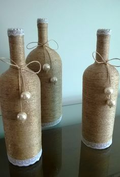 Awesome Home Decor Ideas on a Budget – Repurposed DIY Wine Bottle Crafts Glass Bottle Crafts, Wine Bottle Art, Diy Bottle, Wrapped Wine Bottles, Bottles And Jars, Diy Home Crafts, Diy Crafts For Gifts, Christmas Wine Bottles, Altered Bottles