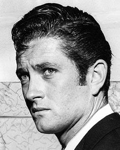 John Drew Barrymore ne John Blythe Barrymore, Los Angeles CA, - mental health and drug and alcohol addiction. Well known actor; and also the father of Drew Barrymore. Hooray For Hollywood, Hollywood Walk Of Fame, Golden Age Of Hollywood, Classic Hollywood, John Drew Barrymore, Dolores Costello, Celebrities Then And Now, Male Celebrities, Hollywood Couples