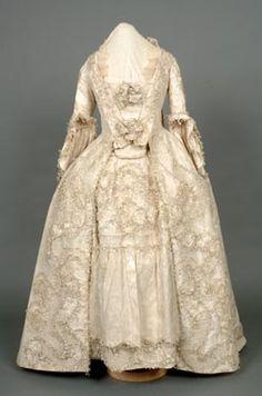 Wedding Dress. 18th century (1758). Cream silk. Shrewsbury Museums Service (SHYMS: T/1983/1/5).  (Source: darwincountry.org)