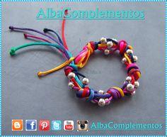 9188fd228b4b pulsera de colores hecha a mano con nudos y bolas plateadas.  pulsera   AlbaComplementos  bisuteria  complementos  accesorios  colores  nudos  moda