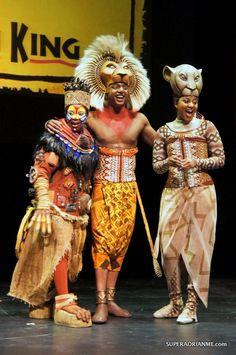Alexia Khadime as Nala Musical Rey Leon, Lion King Musical, Lion King Broadway, Lion King Show, Lion King Jr, Couple Halloween, Halloween Costumes, Simba E Nala, Live By The Sword