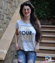 Picture # 299815 of Kainaat Arora with high quality pics,images,pictures and photos. Indian Actress Hot Pics, Bollywood Actress Hot Photos, Bollywood Girls, Beautiful Girl Indian, Most Beautiful Indian Actress, Beautiful Girl Image, Stylish Girl Images, Stylish Girl Pic, Cute Girl Pic