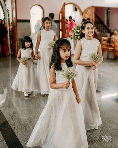 Flower girl bouquet | @abhirammanambur @wedmegood  @weddingsutra  @shaadisaga  weddingphotography #weddingphotographer #prewedding #weddingflowers #weddinghair…