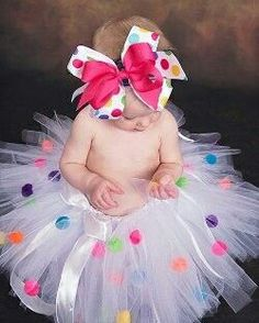 Polka Dot Birthday Party Tutu has a very Candy Land feel. pompoms might used to make paper candy dots ? Cool Baby, Baby Love, Cute Kids, Cute Babies, Baby Kids, Baby Baby, Baby Tutu, Kids Girls, Kids Tutu