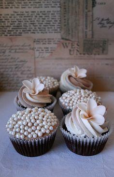 Swirl wedding cupcakes