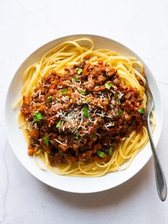 Filled with vegetables this vegan spaghetti bolognese is rich healthy and of course tasty! Lentil Recipes, Veggie Recipes, Pasta Recipes, Vegetarian Recipes, Cooking Recipes, Healthy Recipes, Vegan Vegetarian, Tasty Meals, Lunch Recipes