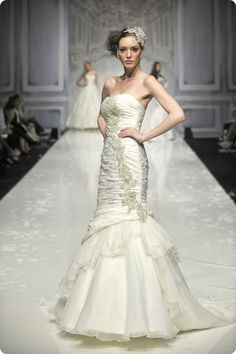 Frill Me! The Designer Series: Ian Stuart Bride