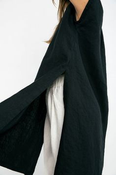 Josephine Vented Tunic in Midweight Linen - Black / S