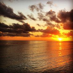 Travel Fashion Blog Lifestyle Summer Maldives Summer Sunset Scene Sea Shadow