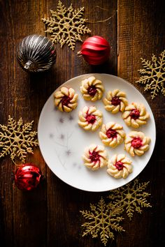 Cherry Vanilla Cream Cheese Spritz Cookies and other 25 Cookies in this post!!!