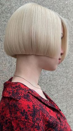 This is it ladies! The cutest blunt cut bob haircuts are right here. Click here to see them before your next haircut! (Photo credit IG @sergeyshapochka) Blunt Bob Haircuts, Short Bob Hairstyles, Latest Hairstyles, Blunt Cuts, Face Shapes, Short Hair Cuts, Photo Credit, Lady, Hair Styles