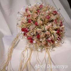 Ramo de Alfileres y Flores de Novia