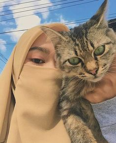 Casual Hijab Outfit, Ootd Hijab, Girl Hijab, Muslim Photos, Niqab Fashion, Cat Aesthetic, Cute Korean Girl, Beautiful Hijab, Crazy Cats