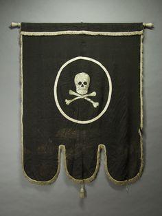 Memento-mori - accessories for hire - Sport interests Memento Mori, Odd Fellows, Danse Macabre, Textiles, Patriotic Decorations, Vanitas, Skull And Bones, Skull Art, Looks Cool