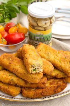 crochete-de-cartofi-cu-ciuperci-si-dovlecel Raw Vegan Recipes, Good Healthy Recipes, Baby Food Recipes, Vegetarian Recipes, Cooking Recipes, Sports Food, Morning Food, Diy Food, Food Inspiration
