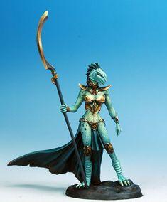 Female Dragonkin Mage - darkswordminiatures.com