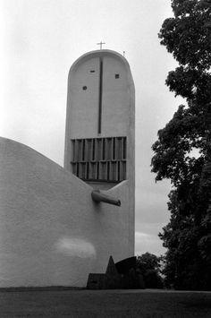 Le_Corbusier-Ronchamps-06