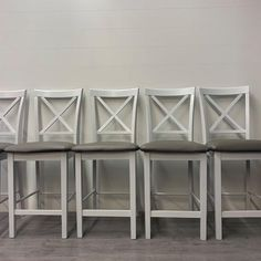 Distressed bar height chairs using Superior Furniture Paints Farmhouse Style Bar Stools, Rustic Farmhouse, White Furniture, Painted Furniture, Maple Bars, White Chalk Paint, White Home Decor, White Houses, Little White