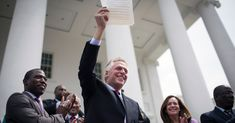 4/22/2016 VIRGINIA: Virginia Governor Restores Voting Rights to Felons - The New York Times.