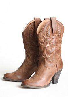 Hello dolly boots.... I want!