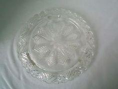 VINTAGE PRESSED GLASS LOW FOOT CAKE PLATE/ PLATTER-SNOWFLAKE/STAR PATTERN